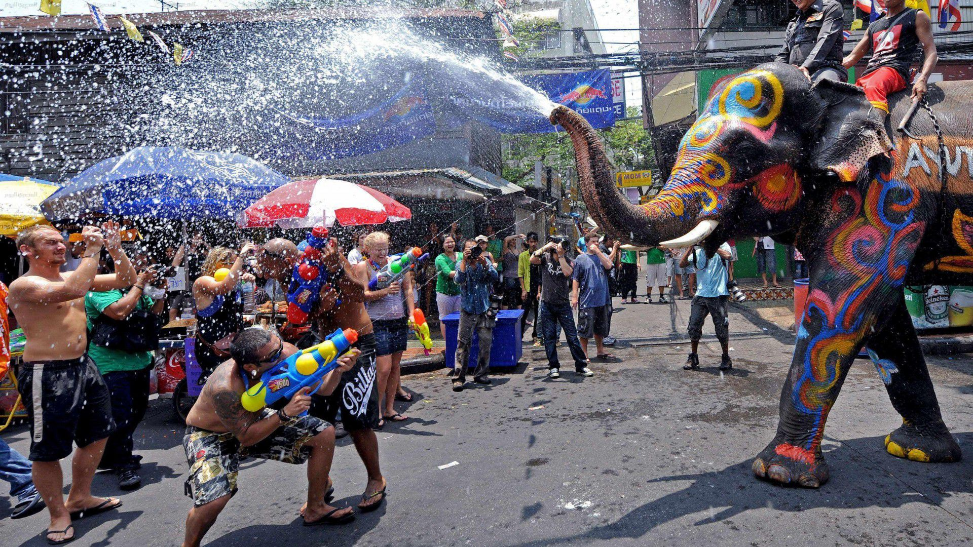 Месяц Сонграна в Таиланде