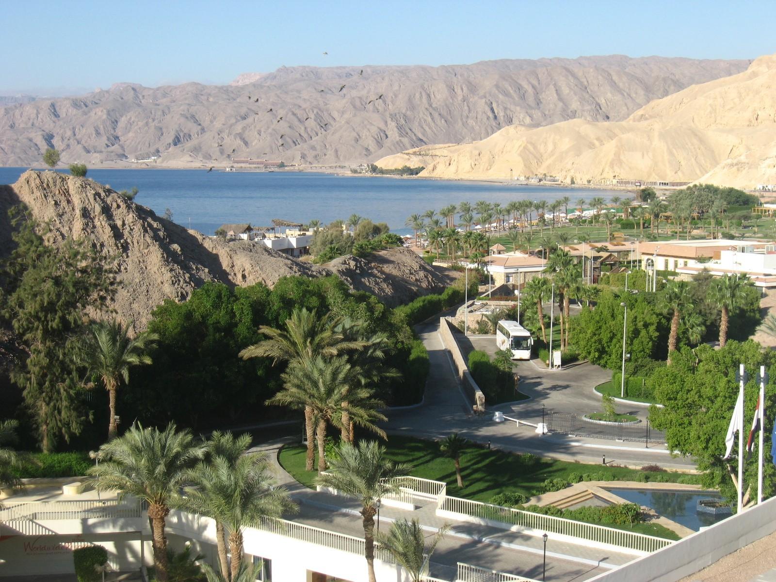Акабский залив в Табе Египет из Волгограда